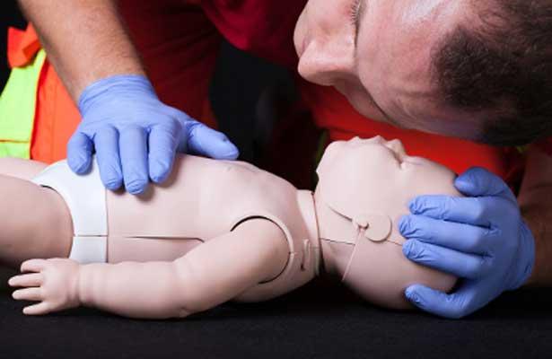 Enfermeiro/a com formação em SBV Pediátrico e Outros Profissionais de Saúde