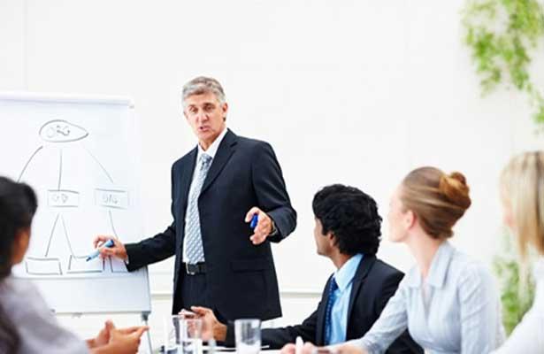 Formadora para integrar os quadros da empresa