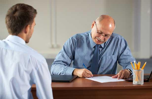 30 perguntas que pode ter de responder em entrevistas de emprego
