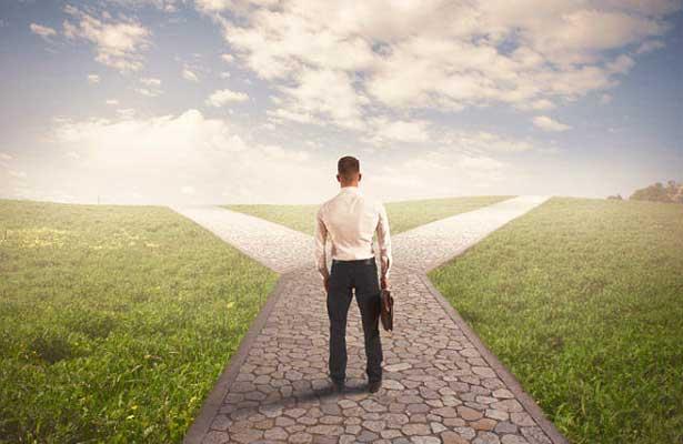 Quatro coisas que precisa de saber para dar um rumo à sua carreira